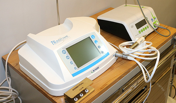 Piezotome and Implant Machine Tissue Dispenser 2